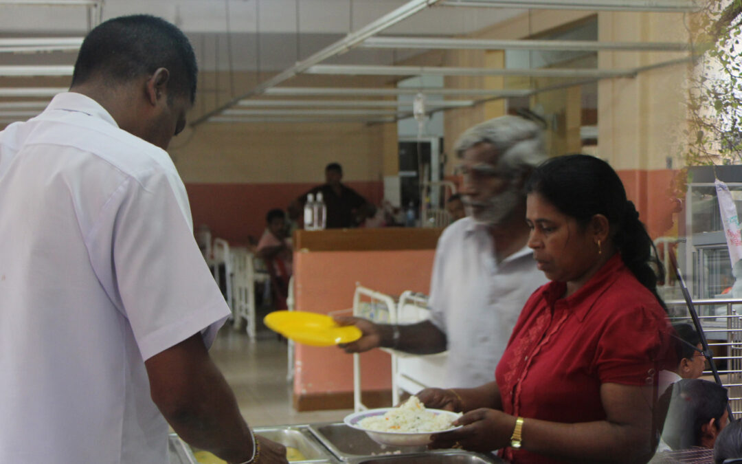 Lunch arrange the Maharagama Cancer Hospital residence patients (Over 1000 Patients) on 28/12/2014.